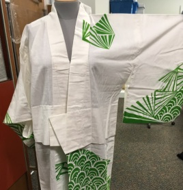 yukata with wide tucks